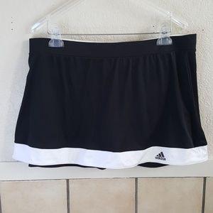 Adidas black and white athletic skort Size XL